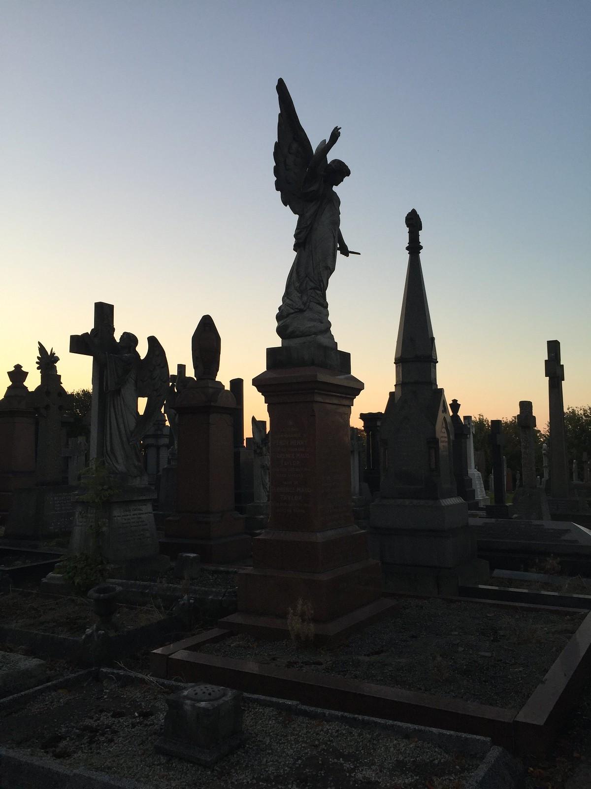 Durée enterrement